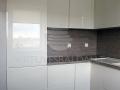 Šilto atspalvio balta virtuvė 2