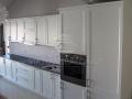 Balta klasikinė virtuvė 2