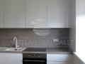 Šilto atspalvio balta virtuvė 3