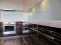 Blizgūs virtuvės baldai 2