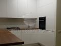 Nestandartinė balta virtuvė 2