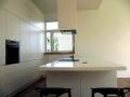 Balta moderni virtuve 5